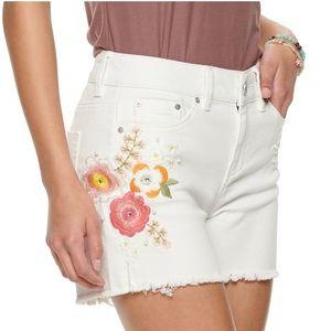 NWT Indigo-rein embroidered raw hem shorts